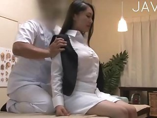 Thumb Hot Chick Gets Massaged