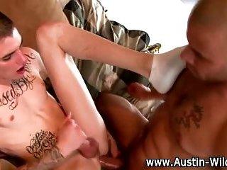 Muscly pornstar rams twinks ass