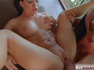 Two gorgeous brunettes share vaginal creampie