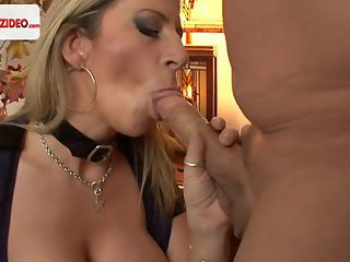 Sensual Jane HUSSY PUSSY In The Hotel Room