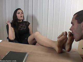 Serbian Boss Lady gets dirty feet licked clean