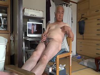 Japanese old man jerk off
