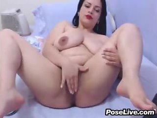 Fat Cam Slut Rubs Her Pussy