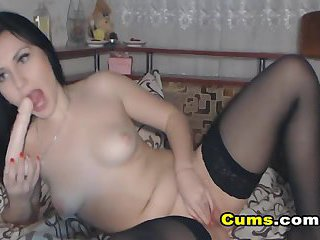 Pretty College Babe Playing her Pussy