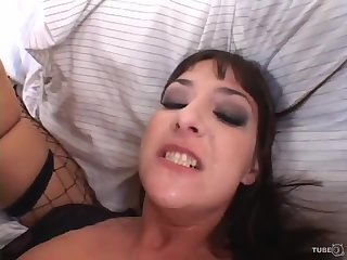 Babe who loves anal
