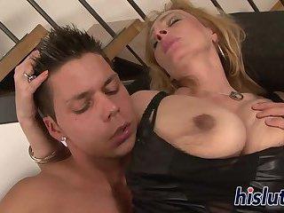 Kinky mature has her wet pussy slammed