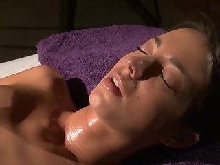 kiki gets Beautiful Oily Lesbian Massage