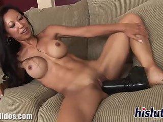 Kinky slut has her tight hole penetrated