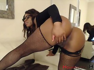 Naked ebony wet pussy webcam show