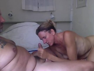 Crazy Housewife Blowing And Fucking