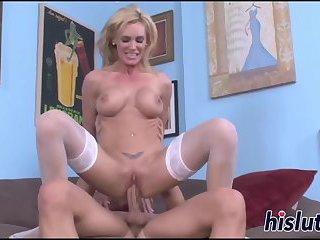 Man worshiping her round booty