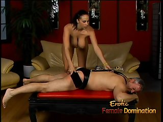 Lusty stunner Gianna Michaels really enjoys spanking a latex-clad stallion