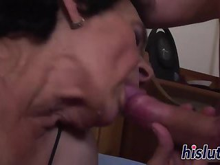 Kinky sex session with a mature bitch