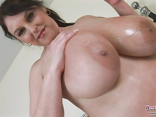 Carol Brown is a BBW with a huge breasts!