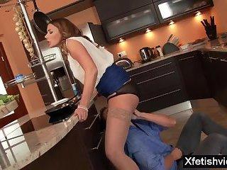 Brunette pornstar piss with cumshot