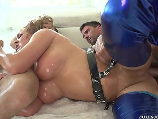 Krissy Lynn loves taking two cocks at the same time