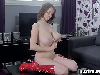 Lucy Wilde loves big and hard dildos
