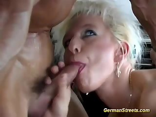 Blonde mature fucked in a car