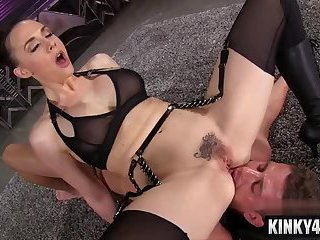 Hot pornstar femdom facesitting and cumshot