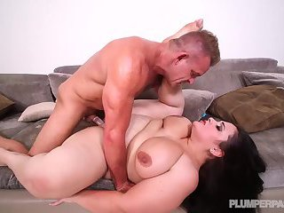 Emma  Bailey in Lost and Pound
