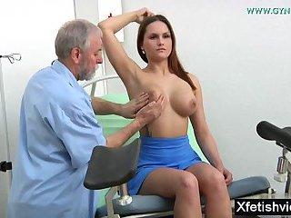 Brunette pornstar fetish and cumshot
