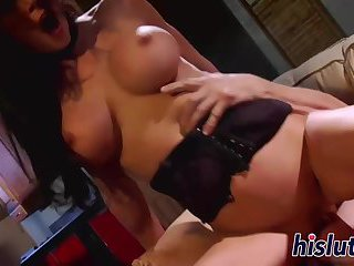 Jessica Jaymes gets her wet snatch drilled