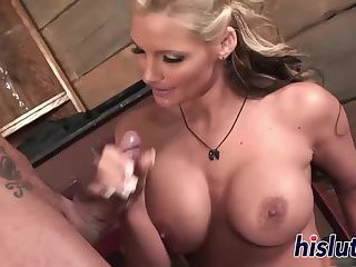Fantastic Phoenix Marie gets her bunghole drilled