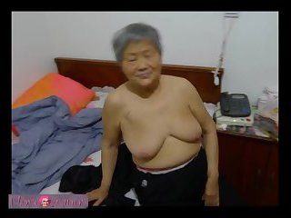 Nice Grannies Nude Pics Slideshow