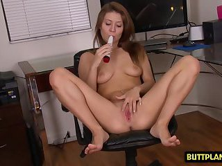 Shaved pussy amateur sex and cumshot