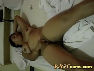 Chubby indian milf nude on cam rubbing and fingering her pussy