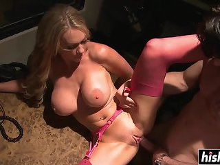 Cutie loves to please her man