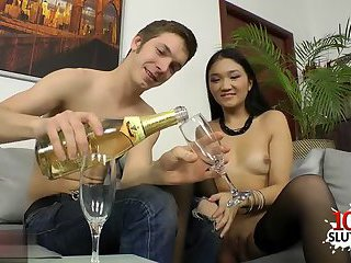 Asian pornstar gaping and cumshot