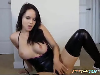 Scorching hot stripper girl gives boners everywhere