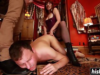 Horny babe gets to dominate her slave