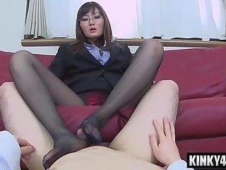 Hot pornstar femdom handjob with cumshot