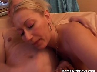 Screenshot video blonde mom first amateur porn video