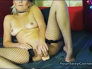 Squirting German Blonde MILF Enjoys Deep Pussy Fuck
