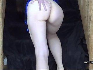 Me Barbara 42 shows my masturbation