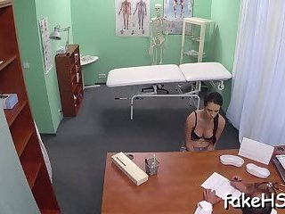 Horny doctor knows how to fuck