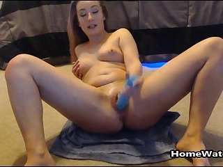 Pussy Drilled Teen Squirting All Over Her Webcam