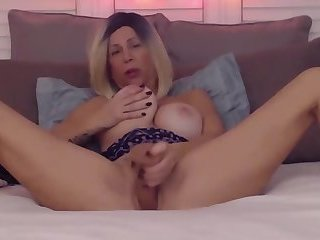Mature filthy talking mother fucks both holes
