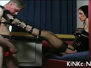 Spreading legs for fisting