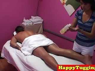 Hj loving asian masseuse makes client happy