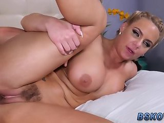 Pornstar milf gets railed