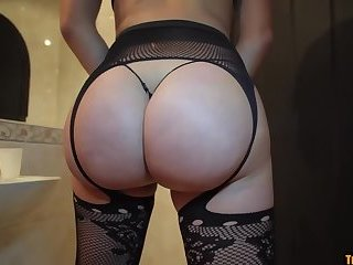 Bootylicious tgirl cumming while assfucked