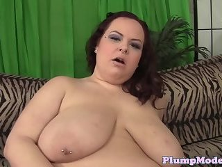 Gorgeous fatty loves to masturbate