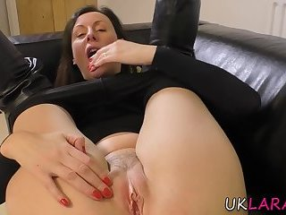 Pussy eating mature brit