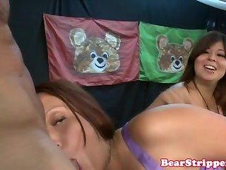 Voyeur amateurs cockriding stripper at party