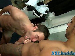 Hung ebony stud sperms