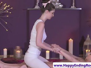 Dyke masseuse gets her clit teased by babe